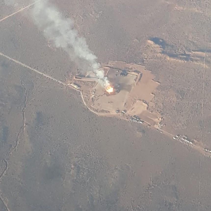 Así es el impactante incendio que se produce en el pozo de Loma La Lata de YPF