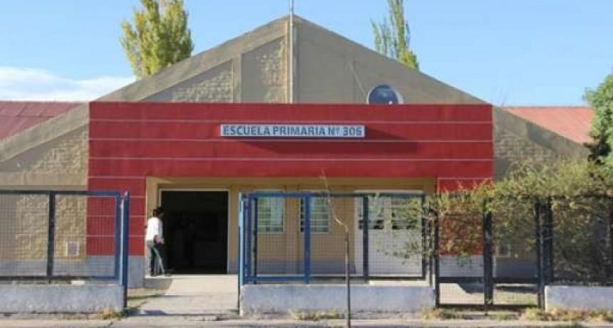 DESTROZÓ Y POSIBLE ROBO EN LA ESCUELA 306